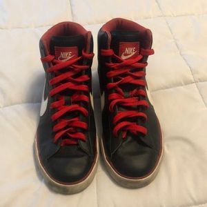 Nike High top shoes size 8